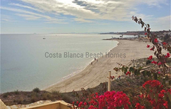 ​Pound strong versus euro, cutting cost of buying Costa Blanca property