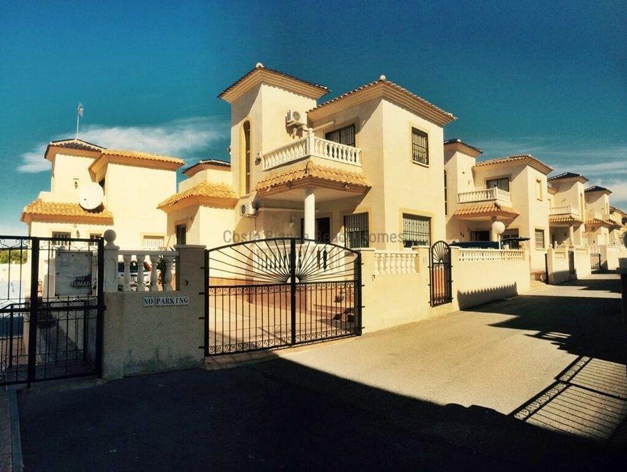 Maison individuelle pas cher vendre orihuela for Maison individuelle pas cher