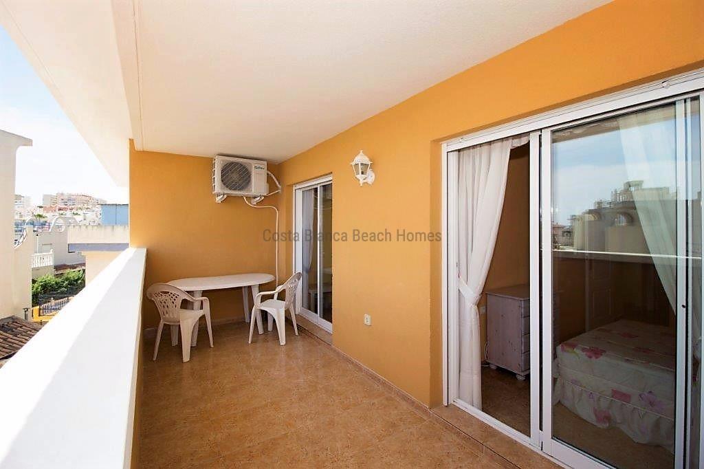 appartement pas cher au bord de mer vendre. Black Bedroom Furniture Sets. Home Design Ideas